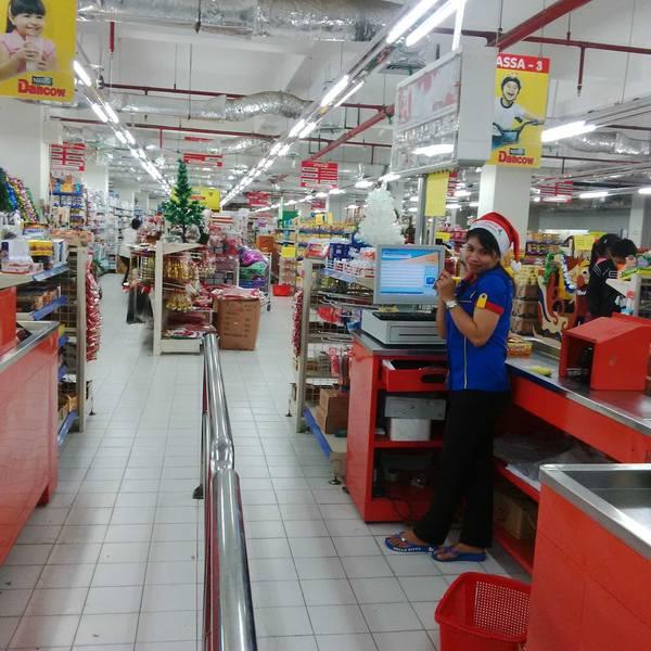 Sentani Hypermarket Papua